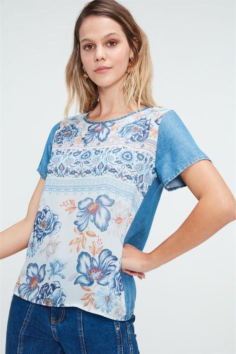 Blusa-Jeans-com-Estampa-de-Flores-Detalhe--