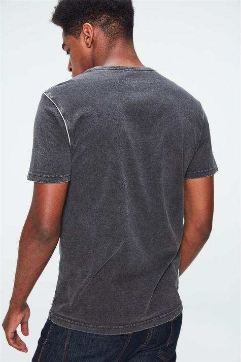 Camiseta-Malha-Denim-Preta-com-Estampa-Costas--
