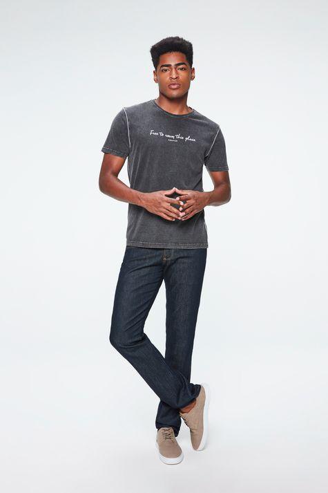 Camiseta-Malha-Denim-Preta-com-Estampa-Detalhe-1--