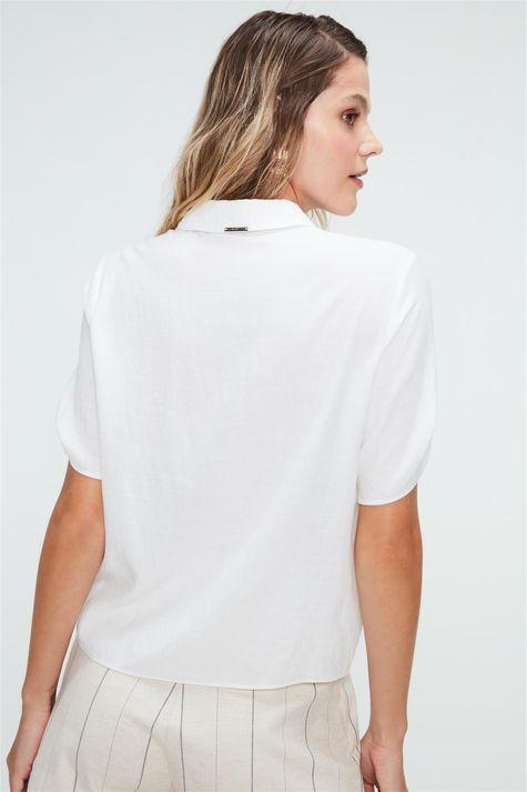 Camisa-Lisa-de-Mangas-Curtas-Feminina-Costas--