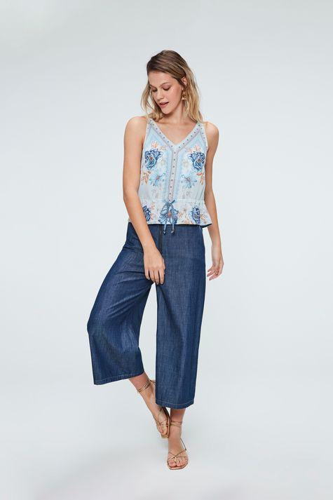Blusa-Jeans-com-Estampa-de-Flores-Azul-Detalhe-1--