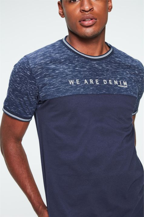Camiseta-College-Estampa-We-Are-Denim-Detalhe--