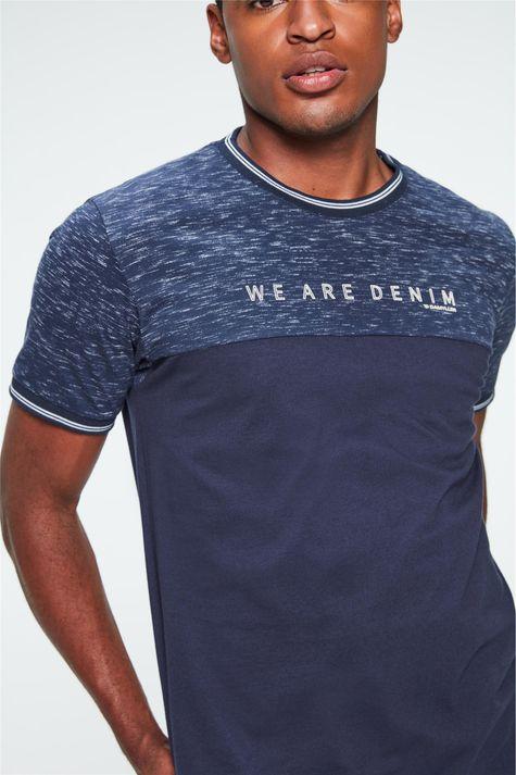 Camiseta-College-Estampa-We-Are-Denim-Detalhe--