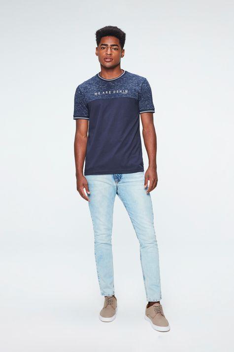 Camiseta-College-Estampa-We-Are-Denim-Detalhe-1--