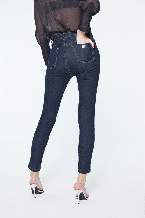 Calca-Jeans-Cropped-Cintura-Super-Alta-Detalhe--