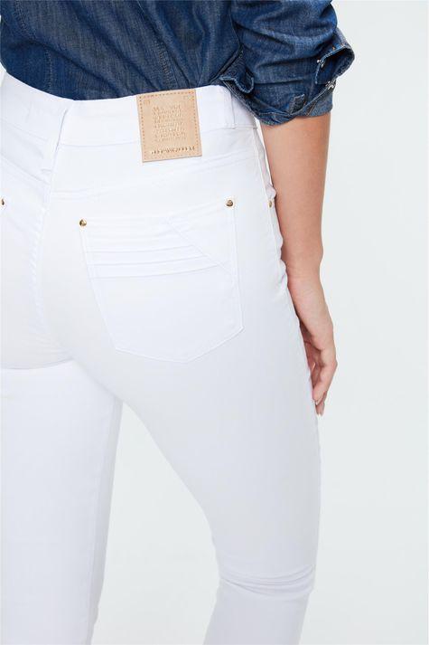Calca-Color-Skinny-Cintura-Alta-Feminina-Detalhe--
