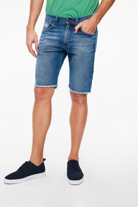 Bermuda-Jeans-Skinny-com-Barra-Desfiada-Detalhe--