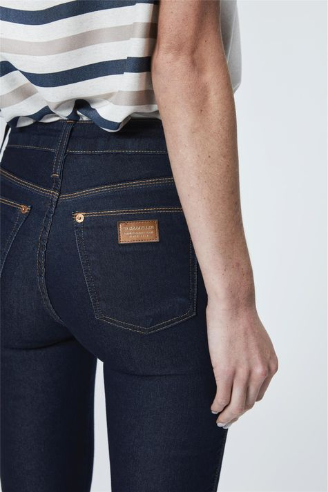 Calca-Jeans-Cropped-com-Ziper-na-Barra-Detalhe--