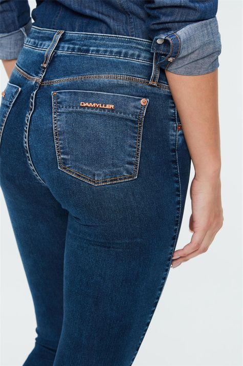 Calca-Jegging-Jeans-Recortes-Laterais-Detalhe--