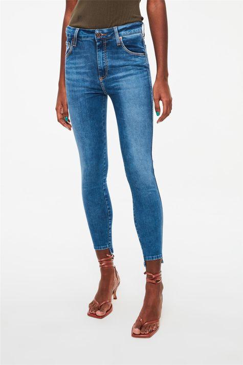 Calca-Jeans-Cropped-Barra-Assimetrica-Detalhe--