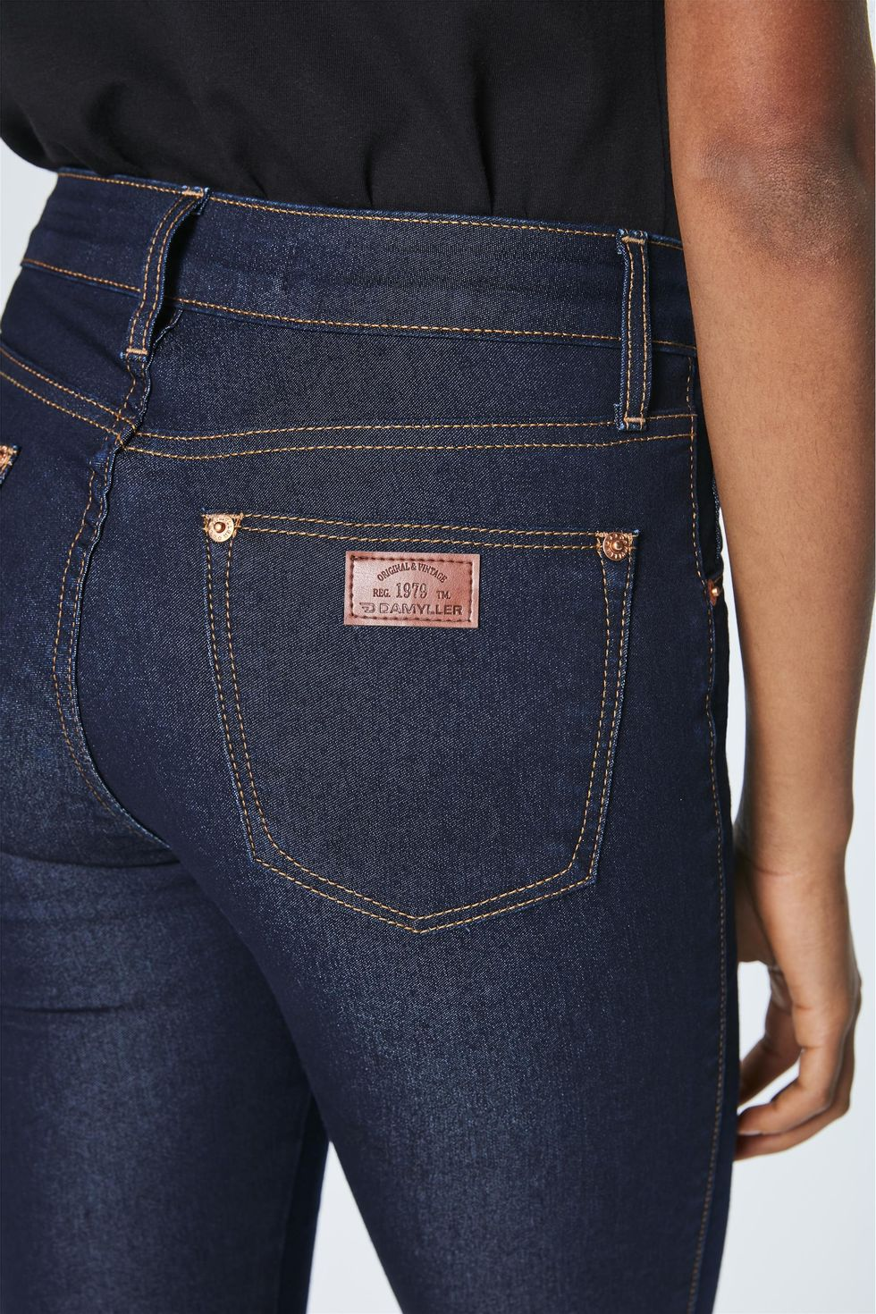 Calca-Jeans-Escuro-Jegging-Cropped-Frente--