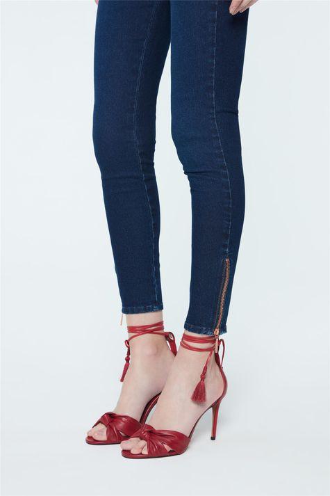 Calca-Jeans-Jegging-com-Ziper-na-Barra-Frente--