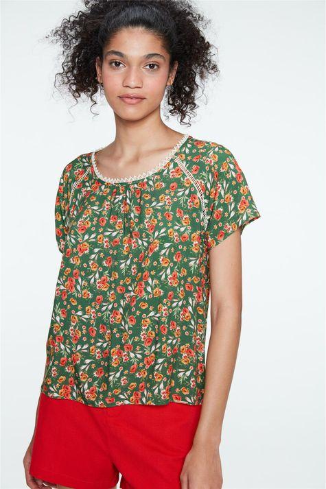 Blusa-Floral-de-Viscose-com-Renda-Frente--