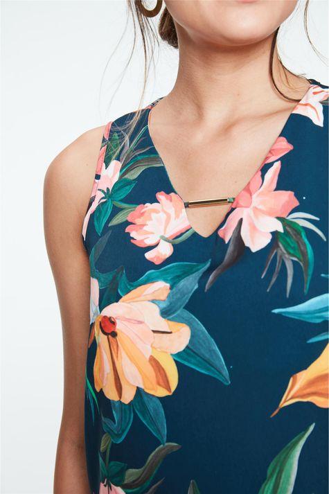 Regata-com-Estampa-Floral-Feminina-Detalhe--