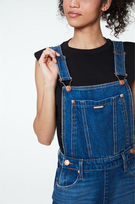 Jardineira-Jeans-Short-Barra-Dobrada-Detalhe--