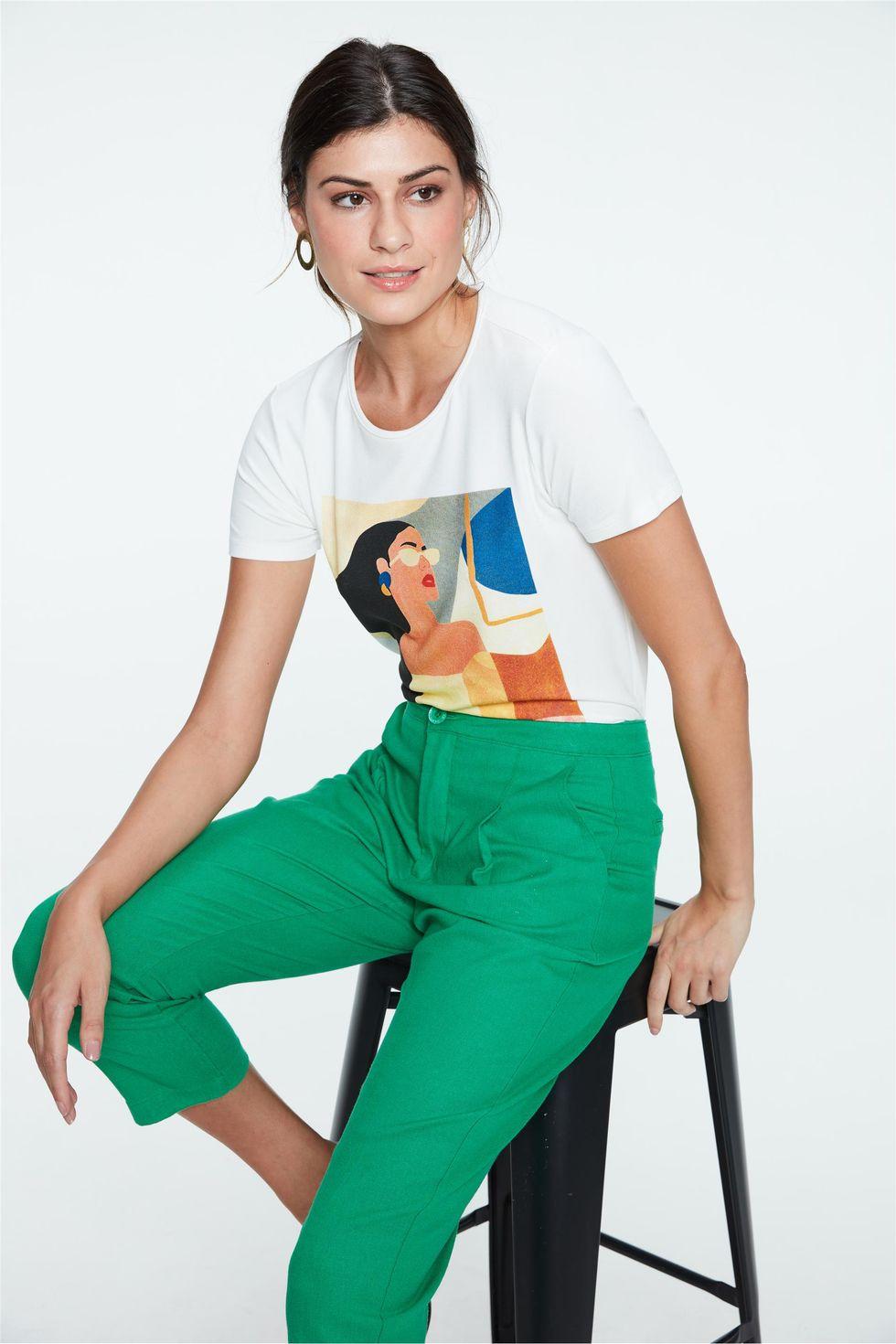 Camiseta-com-Estampa-Geometrica-Feminina-Frente--