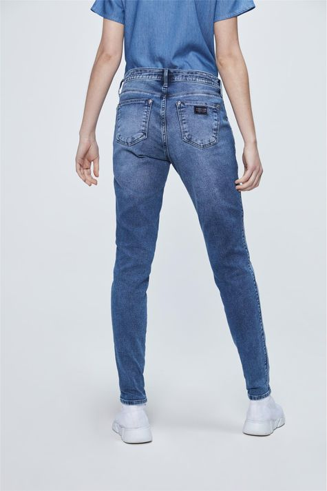 Calca-Jeans-Jogger-com-Recortes-Costas--