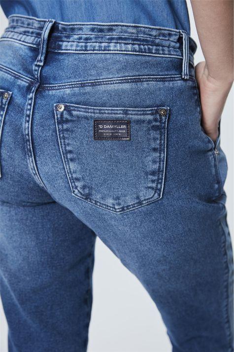 Calca-Jeans-Jogger-com-Recortes-Detalhe--