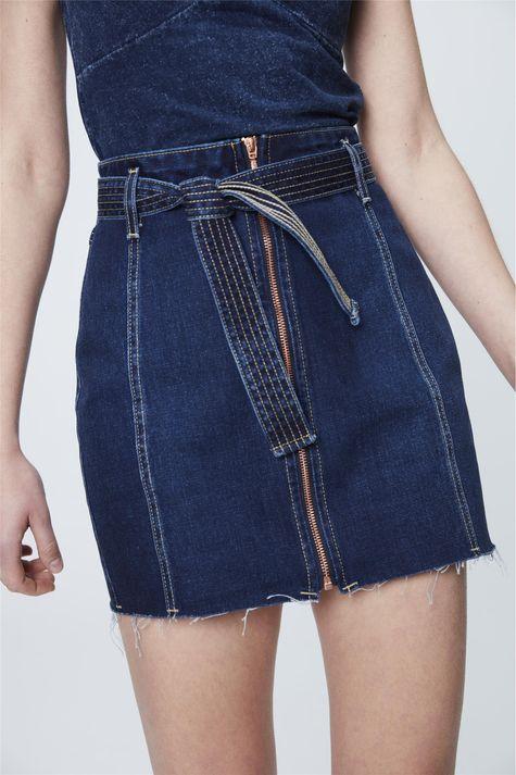 Saia-Jeans-Azul-Escuro-com-Ziper-Frontal-Detalhe--