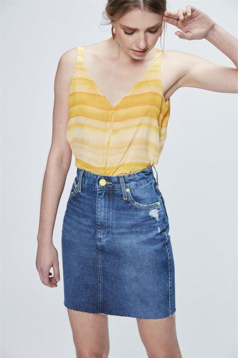 Saia-Media-Jeans-com-Detalhes-Neon-Frente--