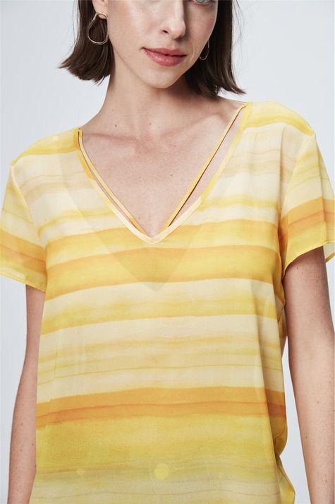 Blusa-com-Estampa-de-Listras-Amarela-Detalhe--