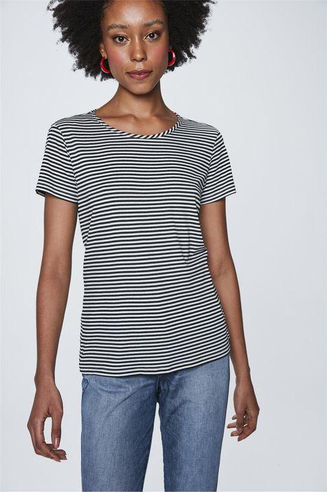 Camiseta-com-Estampa-Listrada-Feminina-Frente--