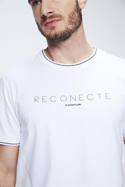 Camiseta-College-com-Estampa-Reconecte-Detalhe--