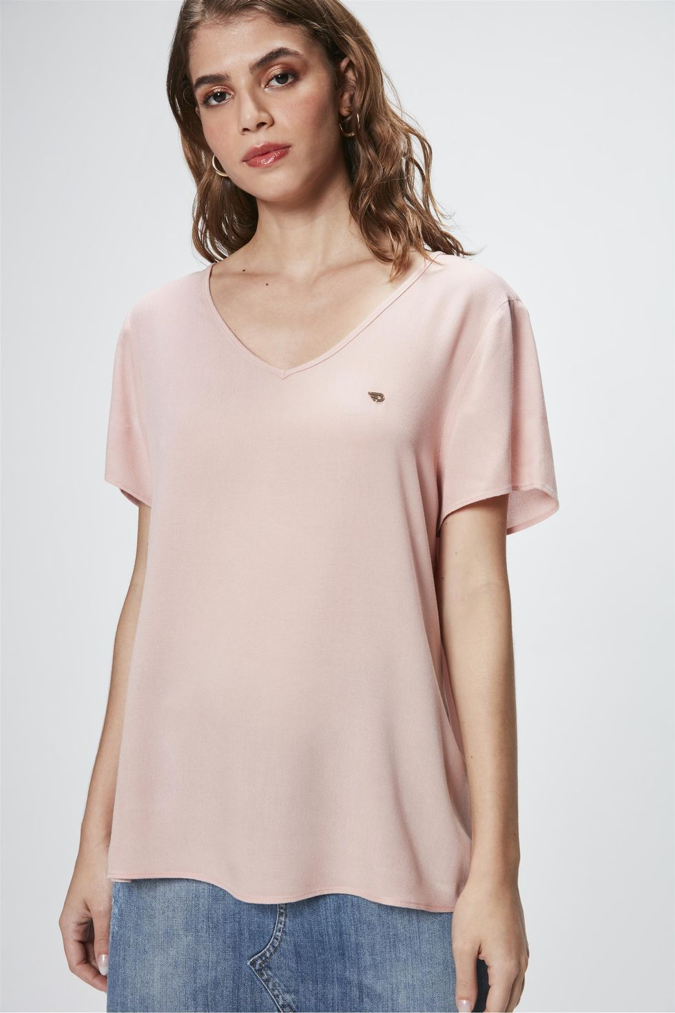 Camiseta-Basica-Decote-V-Feminina-Frente--