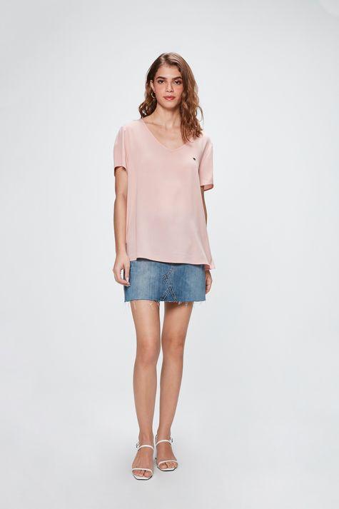 Camiseta-Basica-Decote-V-Feminina-Detalhe-1--