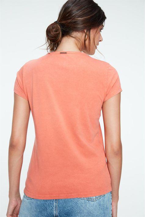 Camiseta-Tingida-com-Estampa-Inspiramor-Costas--