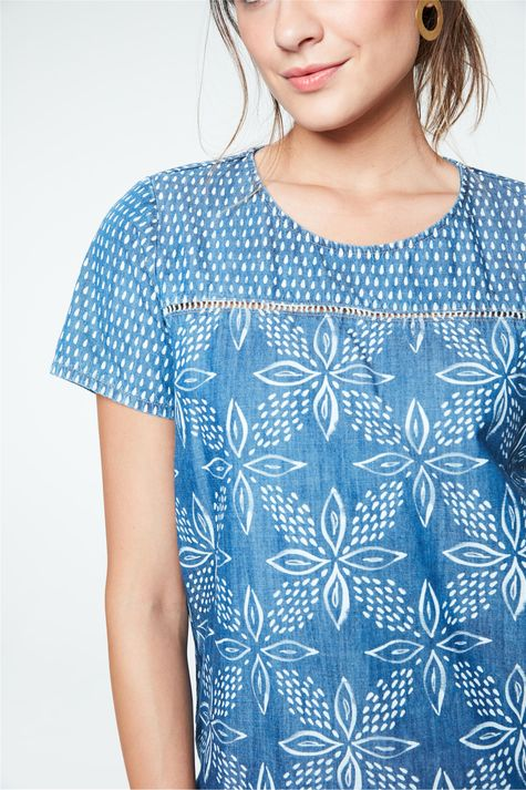 Blusa-Jeans-com-Estampa-Floral-Feminina-Detalhe--