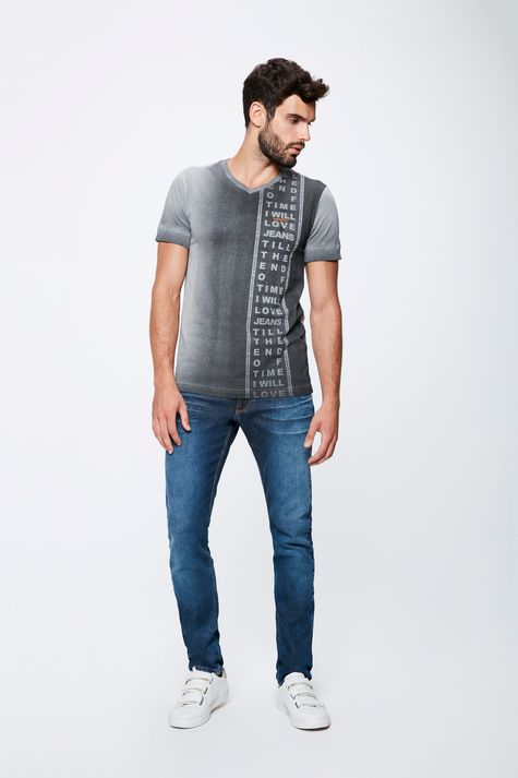 Camiseta-Masculina-Tingida-Detalhe-1--