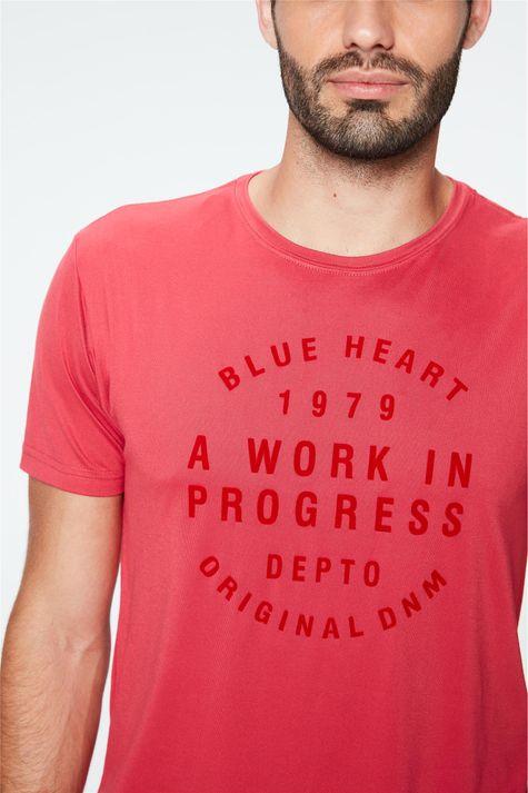 Camiseta-Estampa-Blue-Heart-Masculina-Detalhe--