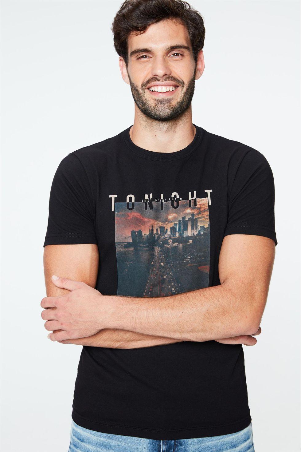 Camiseta-com-Estampa-Tonight-Masculina-Frente--