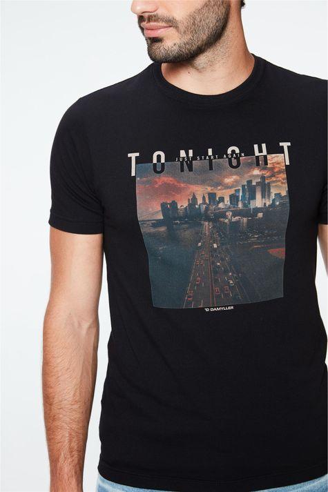 Camiseta-com-Estampa-Tonight-Masculina-Detalhe--