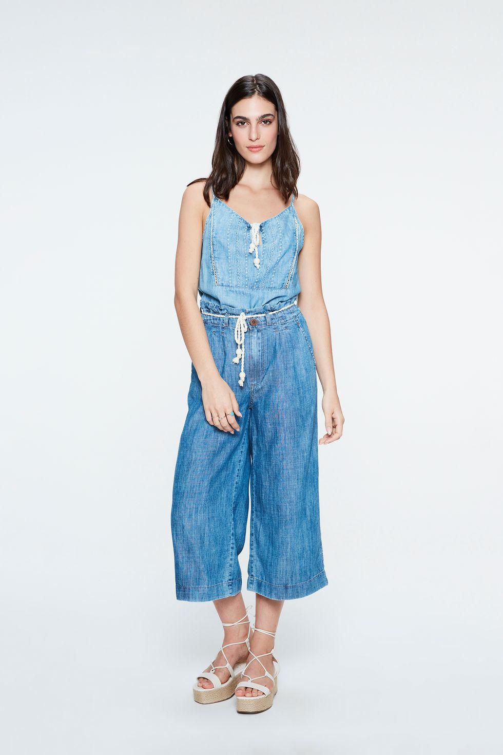 Calca-Jeans-Pantacourt-Soltinha-Frente--