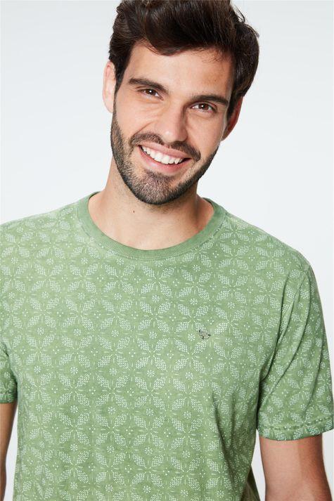 Camiseta-Estonada-com-Estampa-Masculina-Frente--