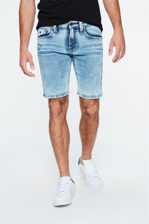 Bermuda-Jeans-Claro-Skinny-Masculina-Detalhe--