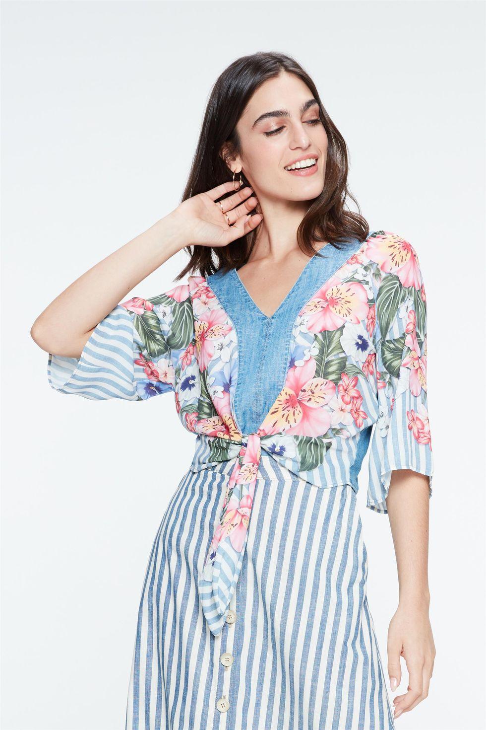 Blusa-Jeans-Estampa-Floral-e-Amarracao-Frente--