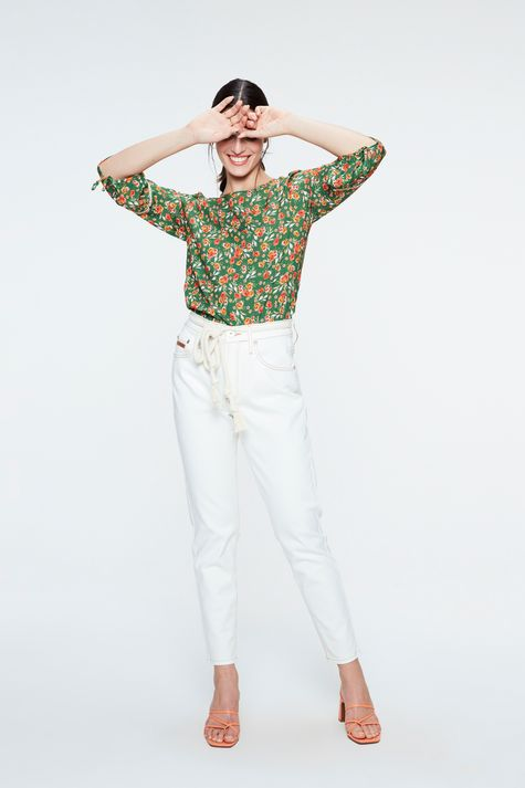 Blusa-de-Viscose-com-Estampa-Floral-Detalhe-1--