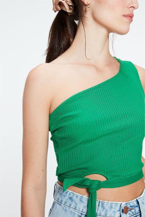 Blusa-Canelada-Um-Ombro-So-Cropped-Detalhe--