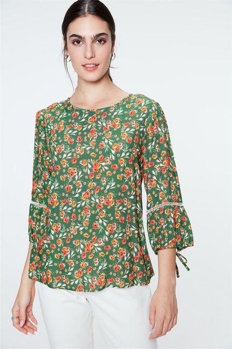 Blusa-de-Viscose-com-Estampa-Floral-Frente--
