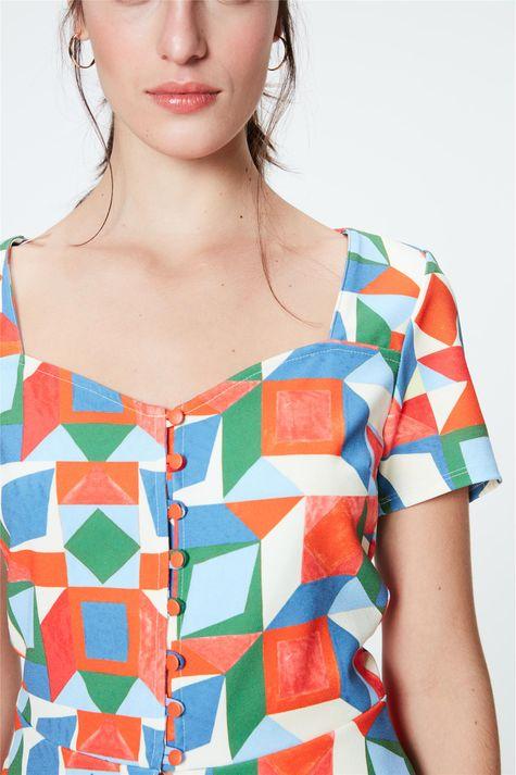 Blusa-de-Botoes-com-Estampa-Geometrica-Detalhe--