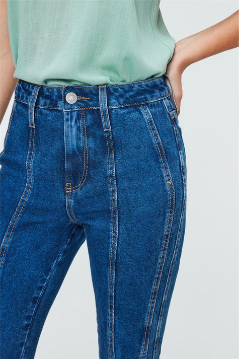 Calca-Jeans-Cropped-de-Cintura-Altissima-Detalhe-2--