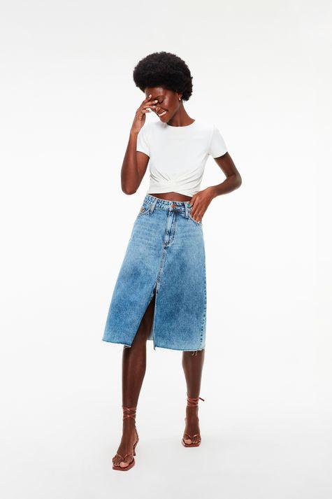Saia-Midi-Jeans-com-Barra-Desfiada-Frente--