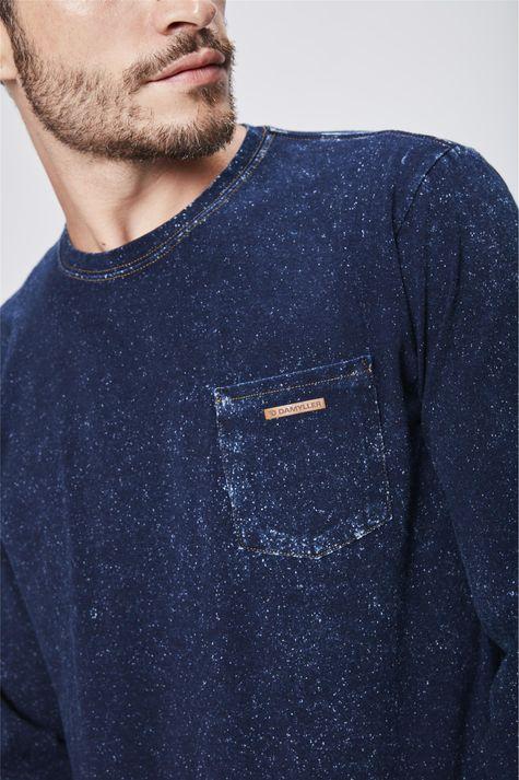 Camiseta-Manga-Longa-Denim-Masculina-Detalhe--