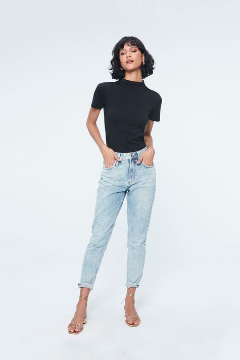 Calca-Jeans-Azul-Claro-Mom-Feminina-Detalhe-1--