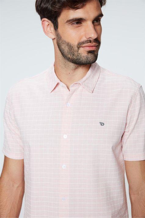 Camisa-de-Manga-Curta-Xadrez-Masculina-Detalhe--