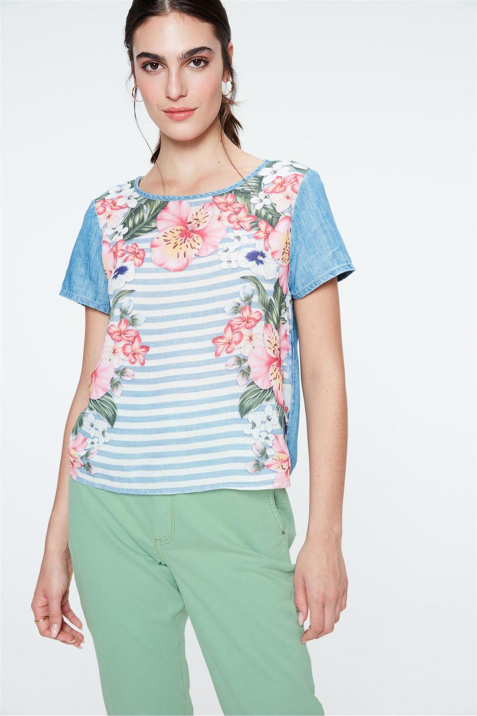 Blusa-Jeans-Manga-Curta-Estampa-Floral-Frente--