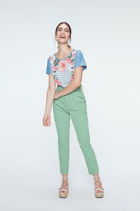 Blusa-Jeans-Manga-Curta-Estampa-Floral-Detalhe-1--